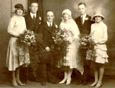 1920s Wedding Party with Bridesmaids
