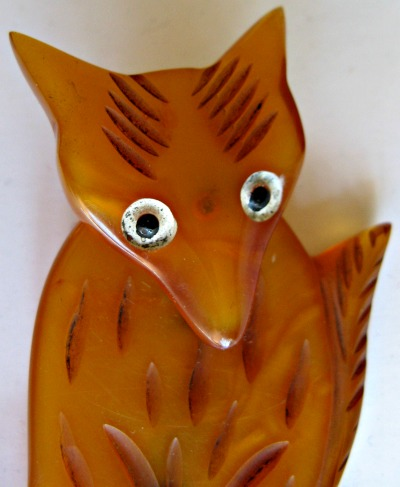 Bakelite Moving Head Fox Brooch