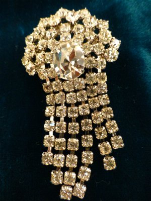 Fountain Brooch in Rhinestones