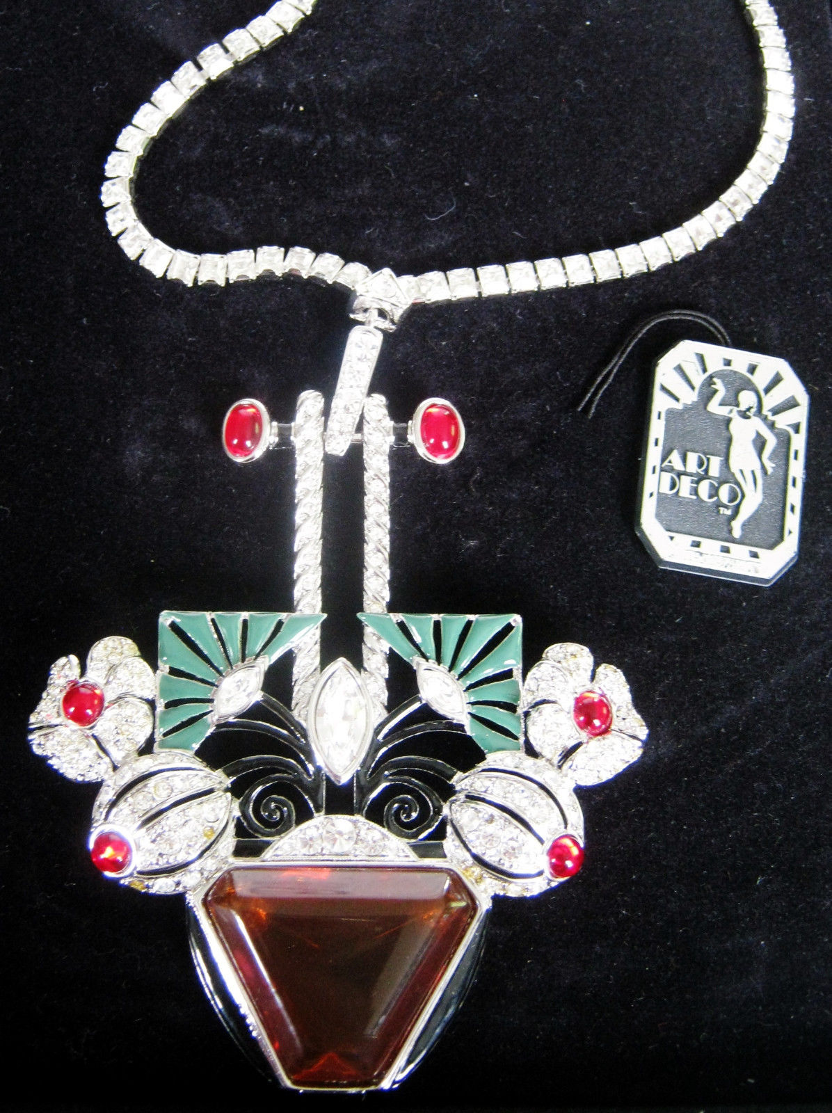 Necklace with Art Deco Inc. Tag