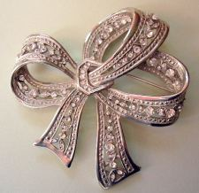 Rhinestone or Paste Bow Brooch