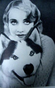 Carol Lombard and her dog