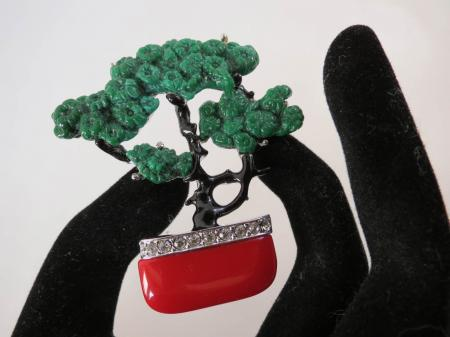 Art Deco Jewelry Colours - Jade, Coral, Black