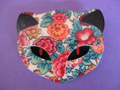 Lea Stein Bacchus Cat Brooch Flowery