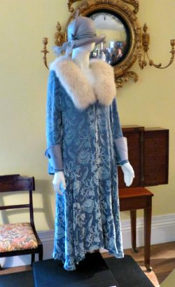 Blue 1920s Coat with Fur Ruff and Cloche Hat