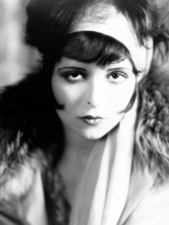 Close up of Clara Bow's Makeup in 1927