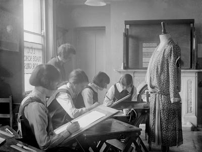 1930s Dress Design Class