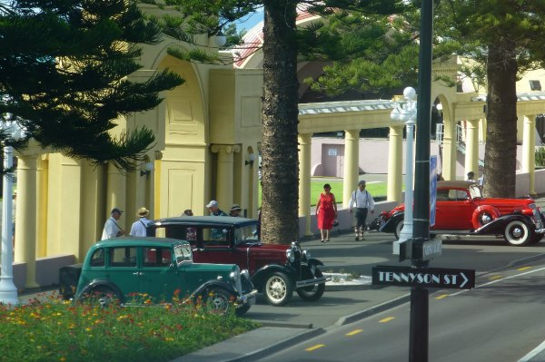 Vintage Cars in front of the Shell Theatre Napier
