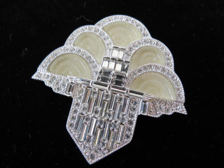 Art Deco 89 Mauboussin Fountain Brooch, Photo by Ivan Bilic