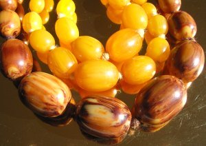 Marbled yellow and caramel Bakelite Beads