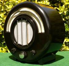 Ekco Round Bakelite Radio