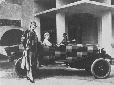 Sonia Delaunay and her Matching Decorated Citroen
