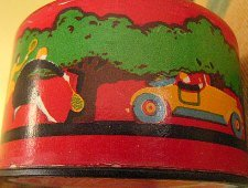 Side of Art Deco Outdoor Girl powder box